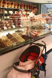 חנות בוטיק לשוקולד בברוז'